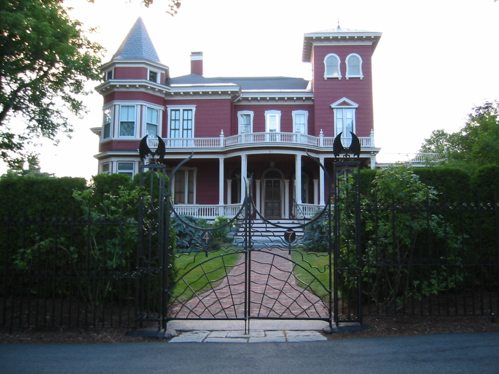 Stephenking_house.JPG